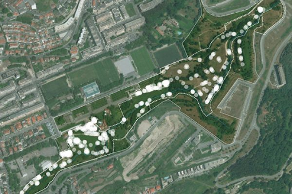 A satellite image of the Guimarães site with behavioural observations overlayed
