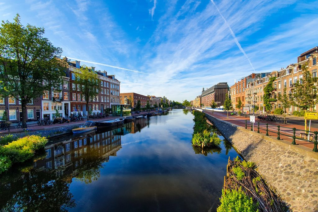 Photo of canal in the city of Brandweerbrug in Amsterdam